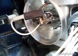 Замена лампочки противотуманка